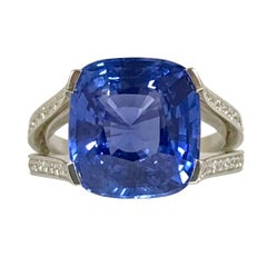Natural Blue Sapphire GRS Certified 9.47 K and Diamonds Gold Palladium Ring