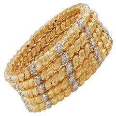 Van Cleef & Arpels Diamond Twist Bangle