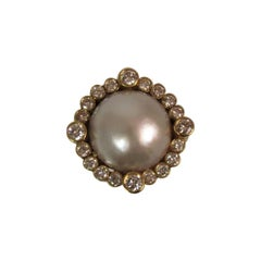 18 Karat Yellow Gold Mabe Pearl and Diamond Ring