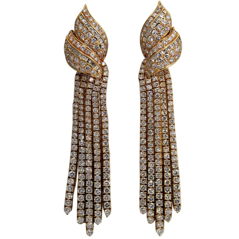 Long Hanging Gold And Diamond Earring For