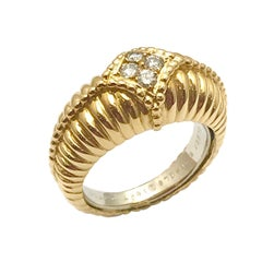 Van Cleef & Arpels Diamond and 18 Karat Yellow Gold Ring