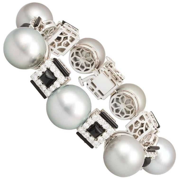 Ella Gafter Silver-Black Tahitian Pearl and Diamond Onyx White Gold Bracelet