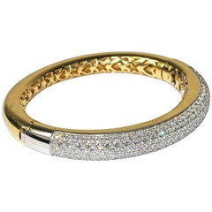Bangle, 18k Gold, 55.8 gram Set with 8.10ct Diamonds, with Certificate