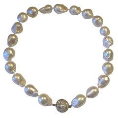 Stunning 14 Karat Gold Large Baroque Pearl Necklace Diamond Baguette Clasp