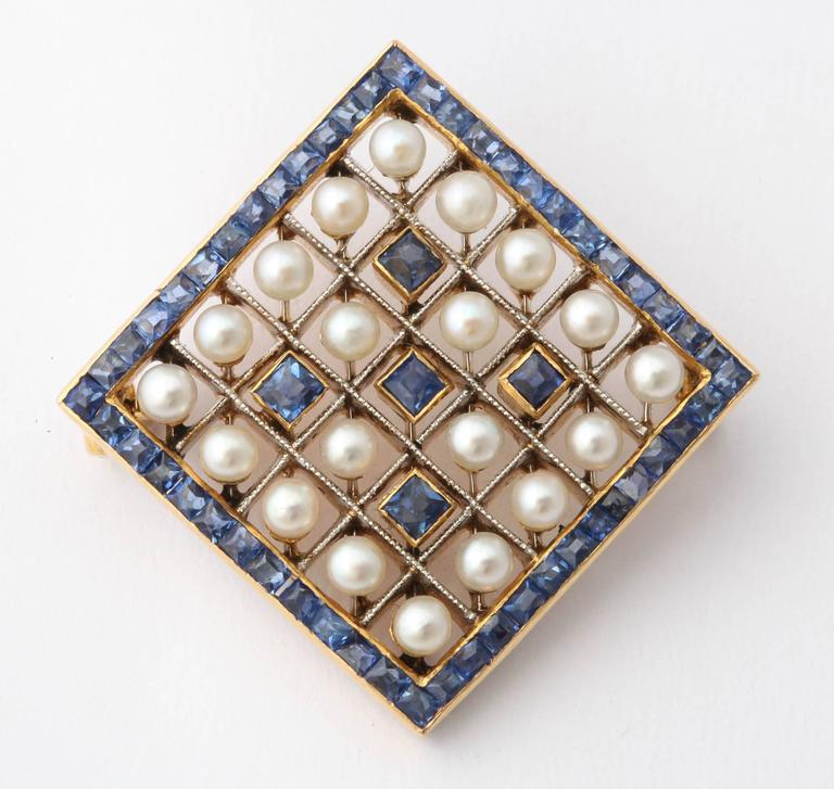 Edwardian Pearl Sapphire and Gold Miniature Brooch, circa 1905 For Sale 1