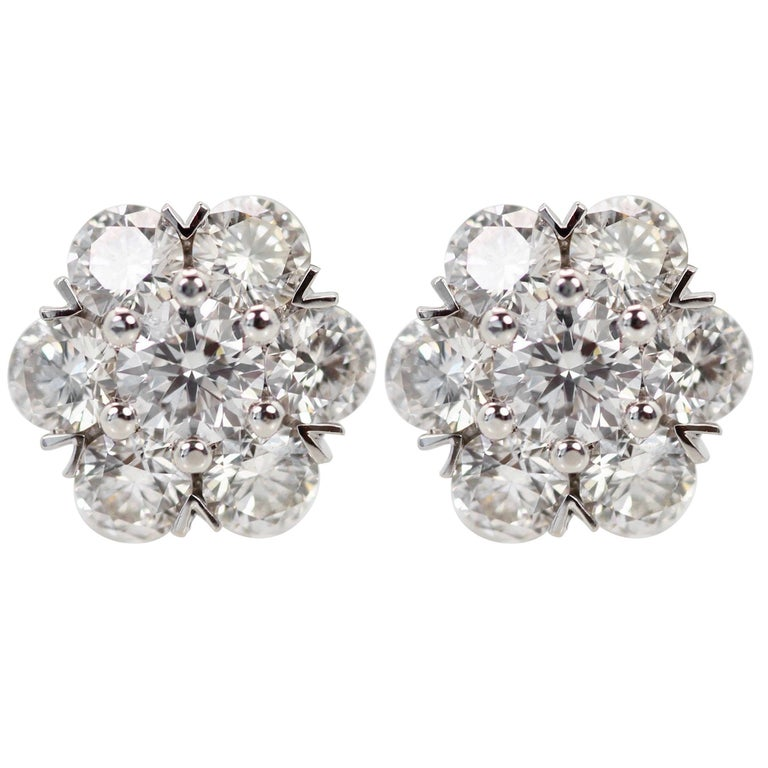 Van Cleef & Arpels Fleurette Earrings Small Ear Studs DEF IF to VVS 1.05 Carat