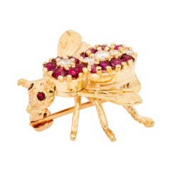 18 Karat Yellow Gold Bee .75 Carat Ruby .10 Carat Diamond Brooch