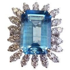18 Karat White Gold Emerald Cut Natural Aquamarine and Diamond Ring