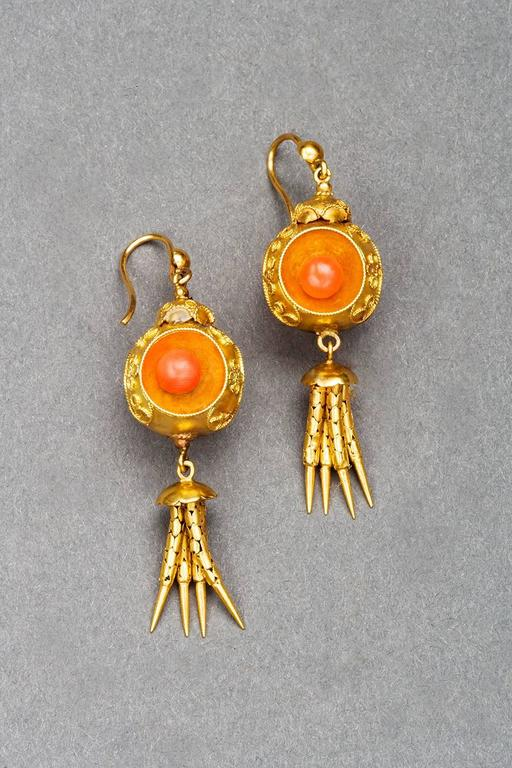 Victorian Coral 18k Gold Chandelier Earrings, circa 1870 For Sale 3