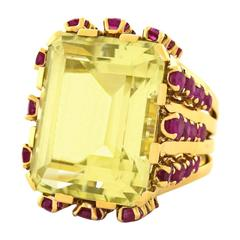 Bold Fifties Yellow Gold Cocktail Ring with 25 Carat Yellow Beryl & Rubies