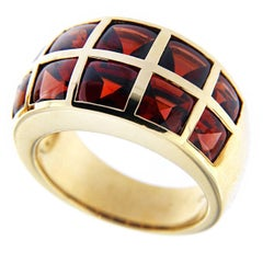 Jona 18 Karat Yellow Gold Garnet Band Ring