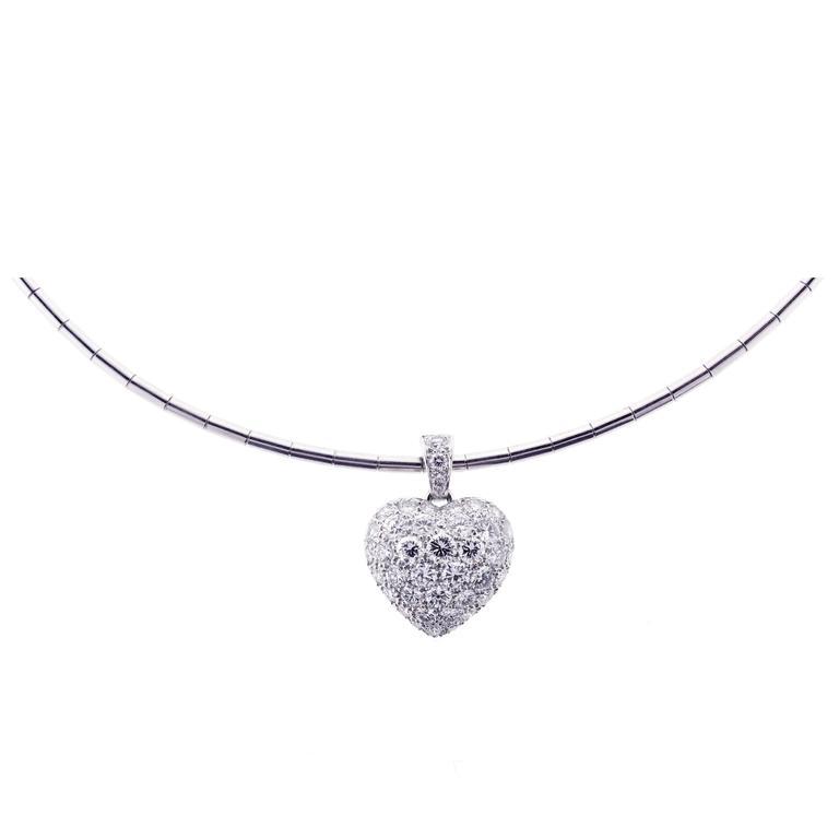 Cartier Puffed Diamond Gold Heart Choker Necklace For Sale