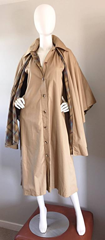 Vintage Yves Saint Laurent ' Rive Gauche ' 1970s Khaki Plaid Cape Trench Jacket In Excellent Condition For Sale In San Francisco, CA