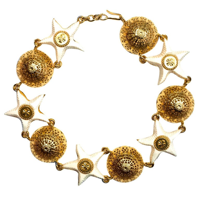 CHANEL Vintage Gold & White Starfish Choker 1