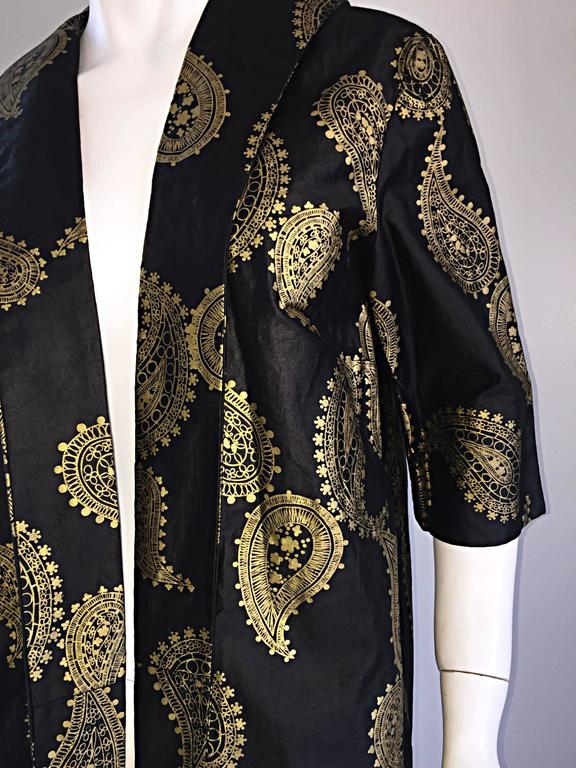 Rare 1950s Alfred Shaheen Vintage 50s Black And Gold Hand Printed Kimono Jacket For Sale 4