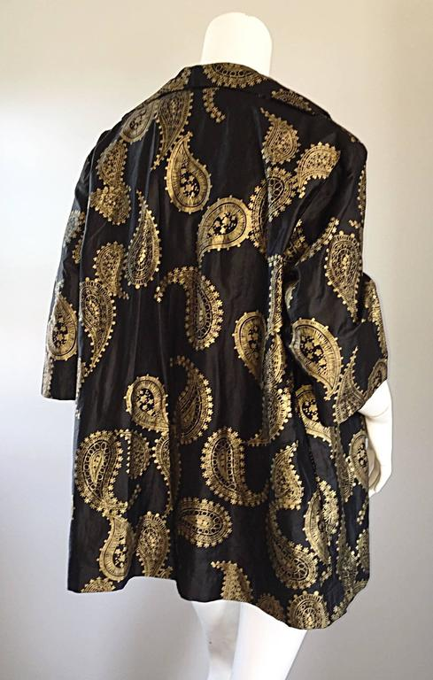 Rare 1950s Alfred Shaheen Vintage 50s Black And Gold Hand Printed Kimono Jacket For Sale 1