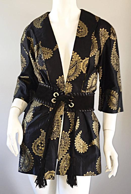 Rare 1950s Alfred Shaheen Vintage 50s Black And Gold Hand Printed Kimono Jacket For Sale 5