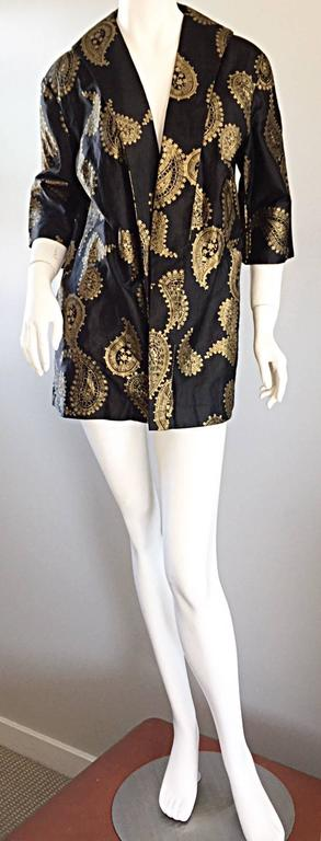 Rare 1950s Alfred Shaheen Vintage 50s Black And Gold Hand Printed Kimono Jacket In Excellent Condition For Sale In San Francisco, CA