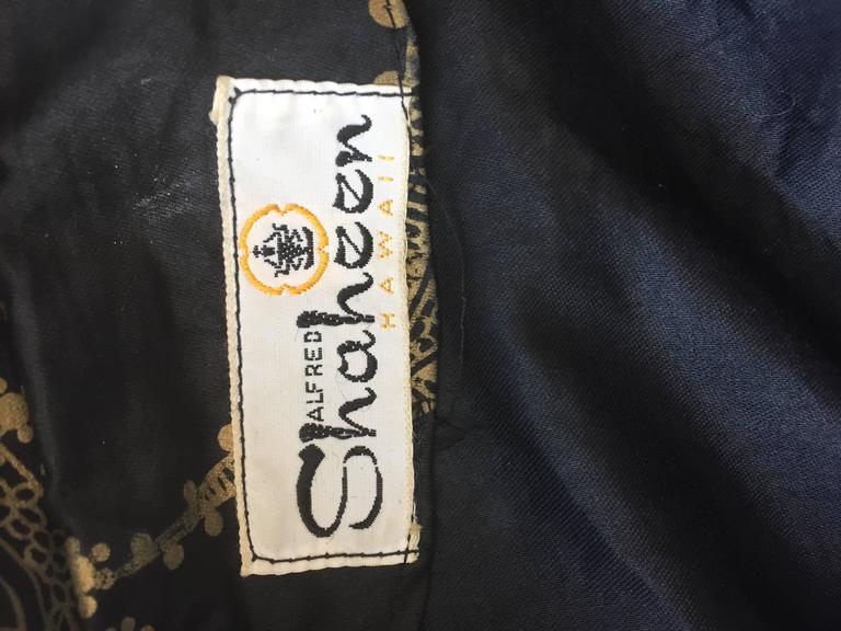 Rare 1950s Alfred Shaheen Vintage 50s Black And Gold Hand Printed Kimono Jacket For Sale 6