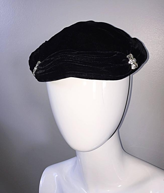 Beautiful 1940s Silk Velvet Vintage Black Hat w/ Rhinestones and Chin Strap In Excellent Condition For Sale In San Francisco, CA