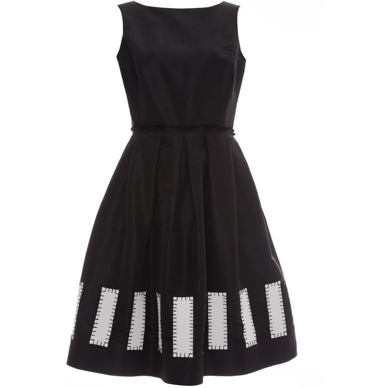 Oscar De la Renta Sleeveless Black Silk Faille Dress, Spring 2006