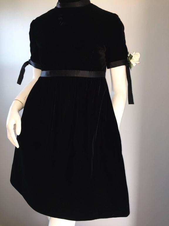 1960s Geoffrey Beene Vintage Black Velvet Empire Waist Trapeze Dress w/ Corsage 5