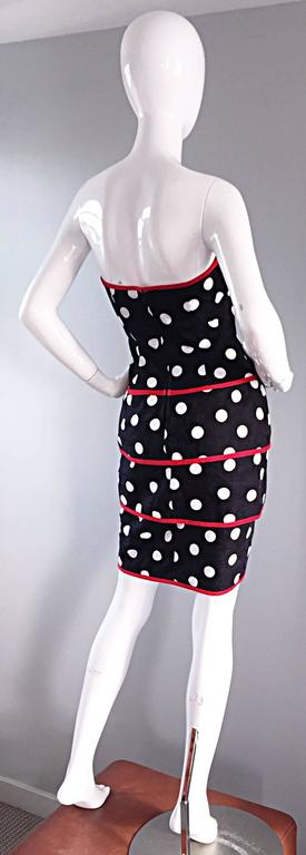Amazing, and sexy vintage A.J. Bari, for Neiman Marcus, 1990s / 90s black and white polka dot strapless dress! Incredible fit, that is extremely flattering on! Great construction, with interior waist strap to keep everything in place. Great for a