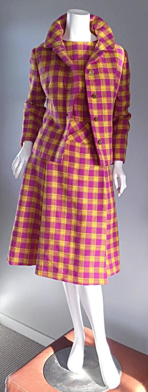 1960s Bill Blass for Maurice Retner Pink + Yellow Plaid A - Line Dress & Jacket For Sale 4