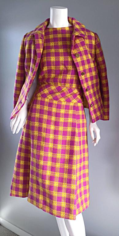 1960s Bill Blass for Maurice Retner Pink + Yellow Plaid A - Line Dress & Jacket For Sale 3