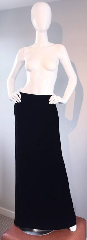 Tom Ford for Gucci Black Silk Velvet 1990s 90s Vintage Full Length Maxi Skirt For Sale 1