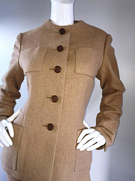 Norman Norell 1960s Size 12 Tan / Camel 60s Vintage Blazer Jacket + Skirt Suit For Sale 2