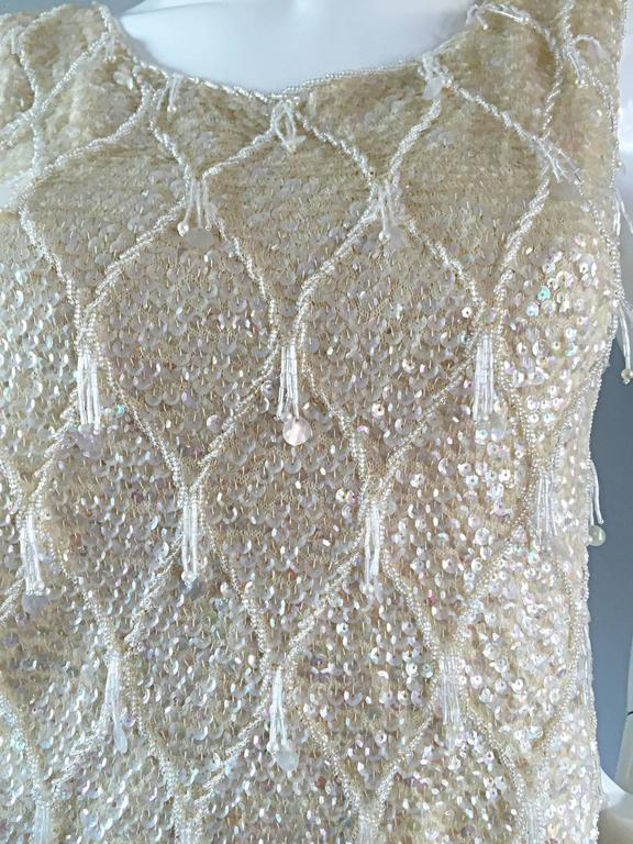 Beautiful 1950s / 1960s Ivory Wool Beaded + Sequins Off - White Sleeveless Top 9