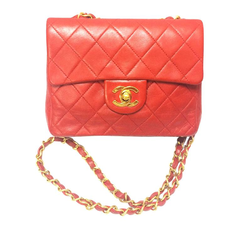 Vintage CHANEL lipstick red lambskin purse with golden CC and chain strap. For Sale