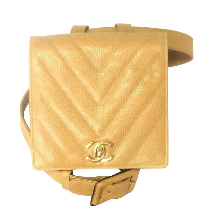 Vintage CHANEL beige caviar  V stitch, chevron, waist bag, hip, fanny pack. For Sale
