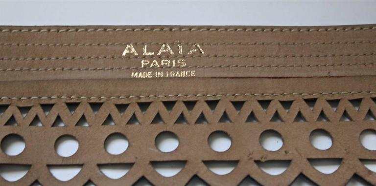 Blue 1990's AZZEDINE ALAIA teal scalloped laser cut leather belt For Sale