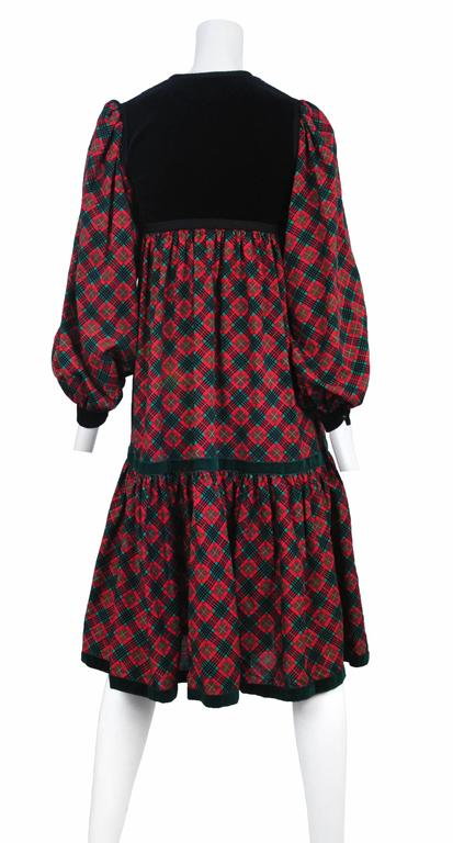Yves Saint Laurent Pink Plaid & Black Velvet Dress In Excellent Condition For Sale In Los Angeles, CA