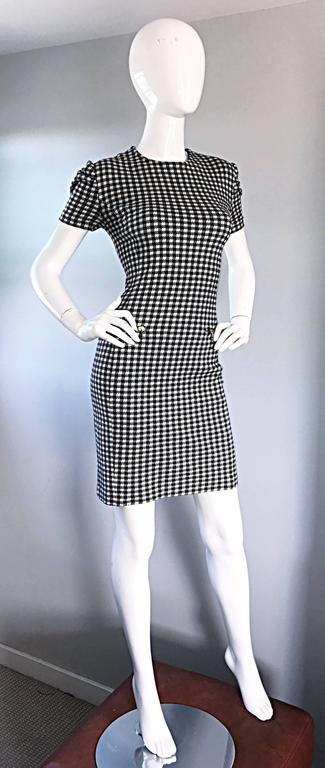 Stylish vintage 90s black and white gingham cotton bodcon dress! Features a flattering allover gingham / checkered print. Zippered pocket at each side of the waist (functional). Fantastic fit that stretches to fit the body. Hidden zipper up the back