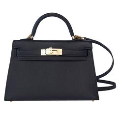 Limited Edition VIP Hermes 20cm Black Epsom Kelly Gold Hardware