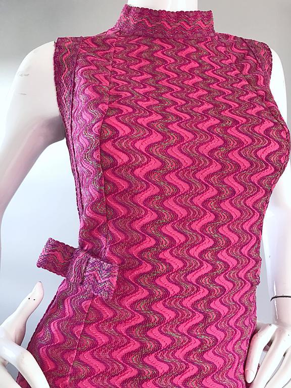 1960s Hanro Siesta Fuchsia Hot Pink Zig Zag Vintage 60s
