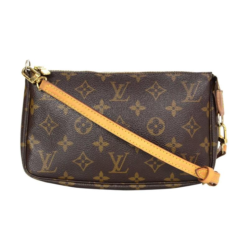 Louis Vuitton Monogram Pochette Crossbody Bag For