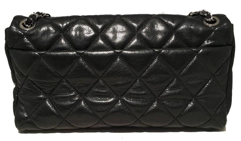 Chanel Black Relaxed Caviar XL Classic Flap Shoulder Bag For Sale 1