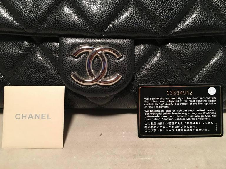 Chanel Black Relaxed Caviar XL Classic Flap Shoulder Bag For Sale 5