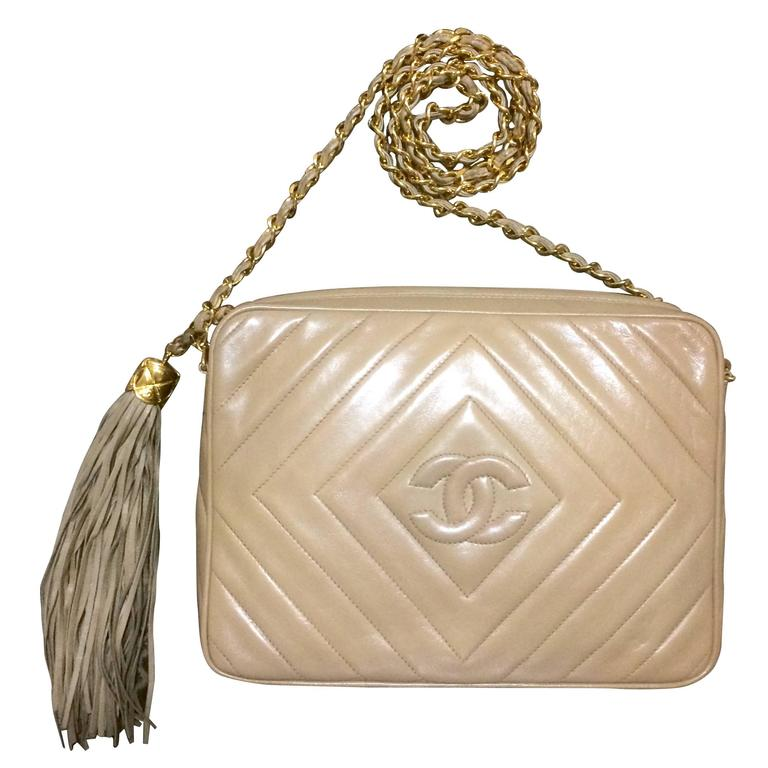 Vintage Chanel beige lamb camera bag style shoulder bag, Chevron, diamond stitch 1