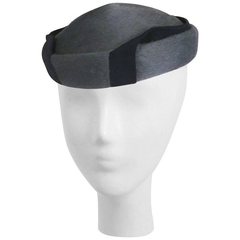1950s Grey Hat w/ Wrapping Ribbon Detail
