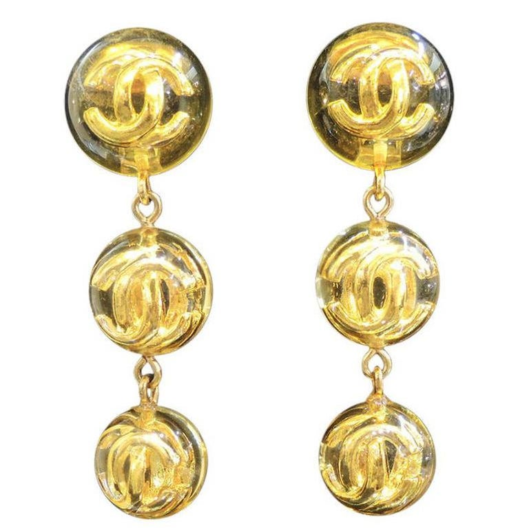 Women's Chanel Season 25 CC Logo Vintage Earrings For Sale