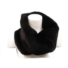 MARC JACOBS Black Fur Circle Tube Scarf