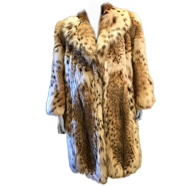 Sexy Natural Spotted Lynx 3 Quarter Length Ultra Soft High Fashion Fur Coat For Sale