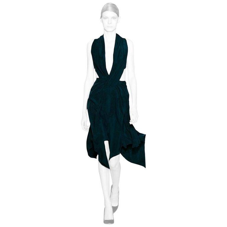 Yiqing Yin Poiret Designer Sexy Siren V Neck Hankerchief Hem Evening Dress  New! For Sale