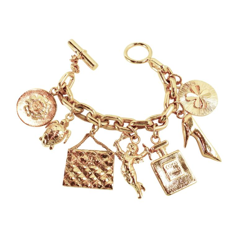 Vintage Chanel Famous Collectible 7 Charms Bracelet 1