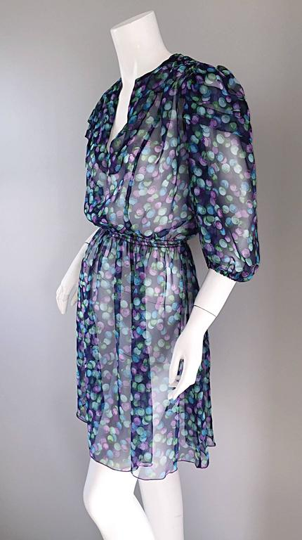 Vintage Casalino Necklace Print Silk 1970s Boho 70s Dress Tunic Made In Italy In Excellent Condition For Sale In Chicago, IL
